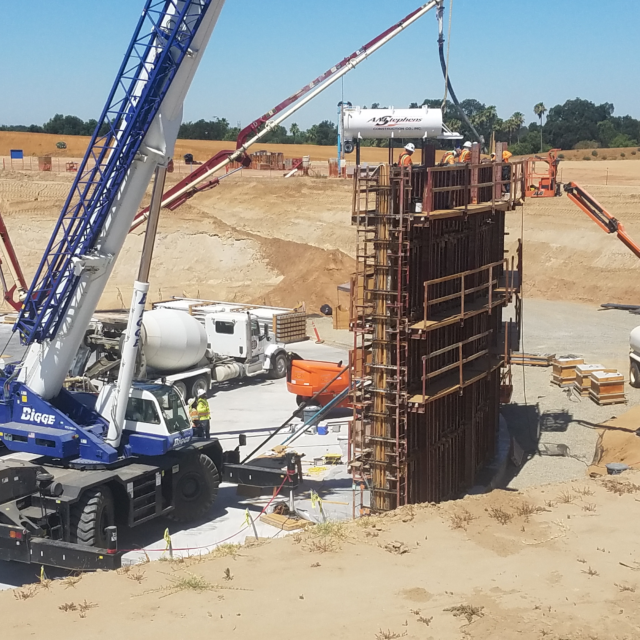 Initial Water Storage Tankconcrete wall placement.